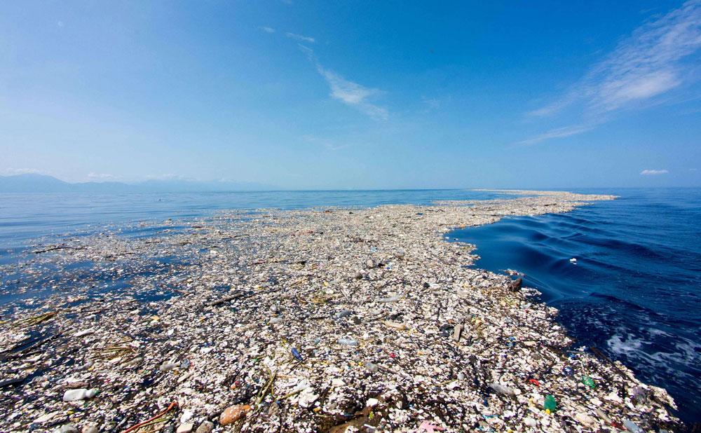 Plastic drift inside the Great Pacific Garbage Patch